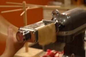 pasta-machine-action1