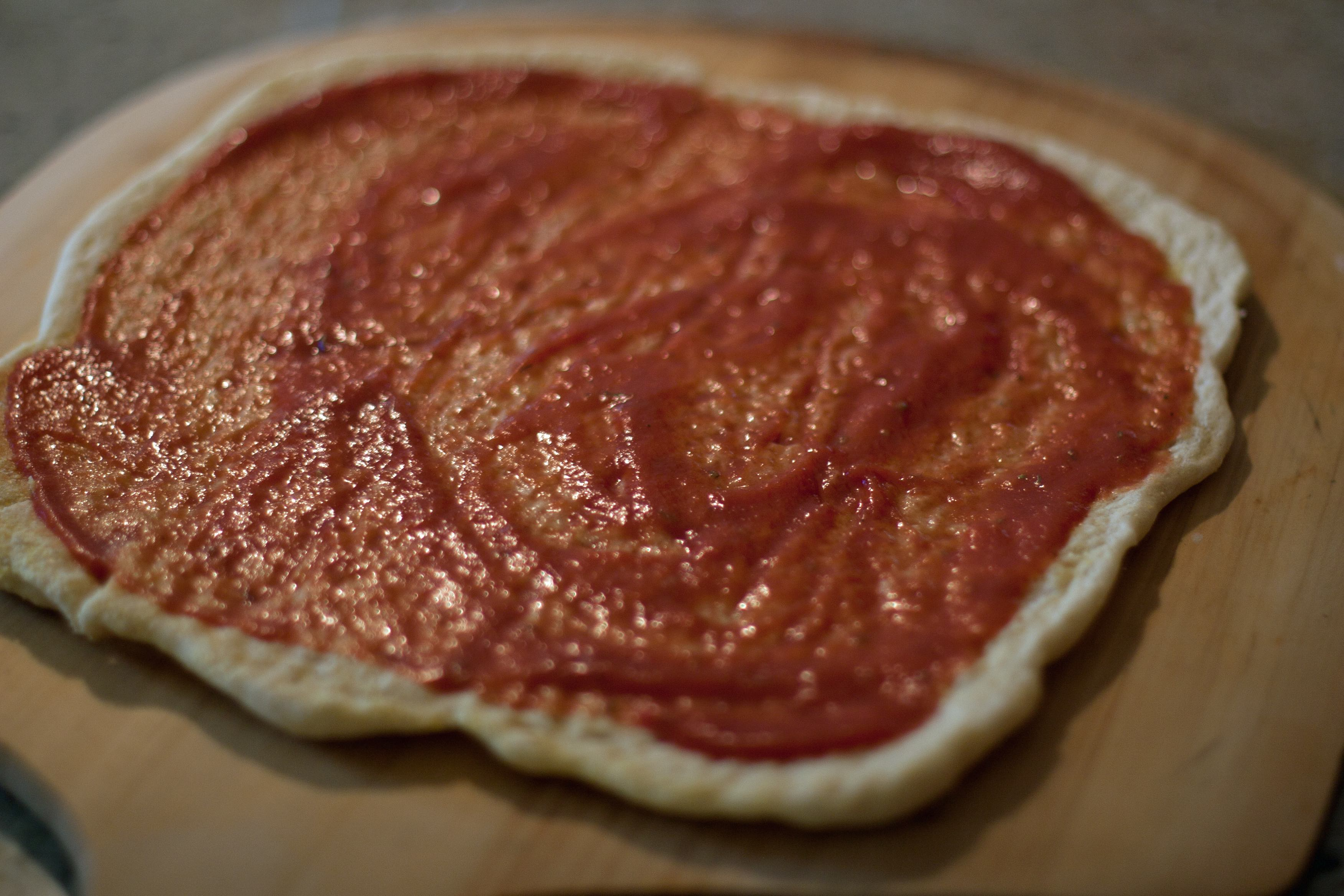 gluten free pizza with sauce